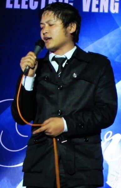 Robert Lalduhzuala Zai Live